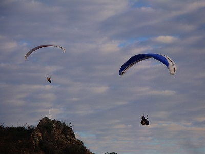 Paragliding Porterville - Flying South from Dasklip Pass.